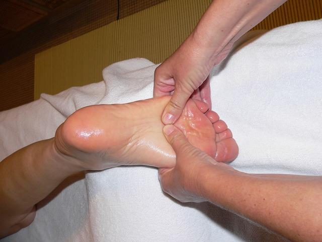 無料の写真: 足, マッサージ, フットリフレクソロジー, 反射ゾーン マッサージ - Pixabayの無料画像 - 740206