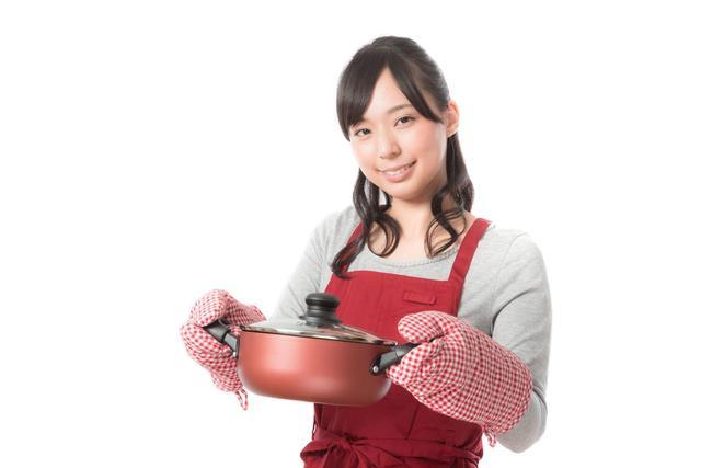 手料理を披露する新妻 フリー写真素材・無料ダウンロード-ぱくたそ