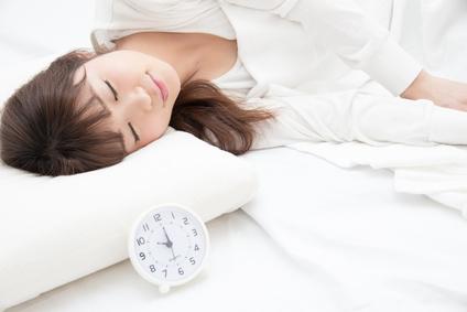 夜型の人は必見!夜勤のナースが教える夜更かしの肌荒れ対策 | ナースが教える仕事術