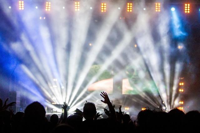 無料の写真: コンサート, パフォーマンス, 視聴者, ライトショー, 音楽 - Pixabayの無料画像 - 336695
