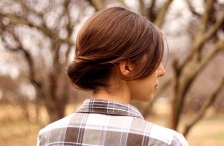 簡単上品なまとめ髪、くるりんぱの進化型「ギブソンタック」のつくり方♡|CandyPot(キャンディポット)