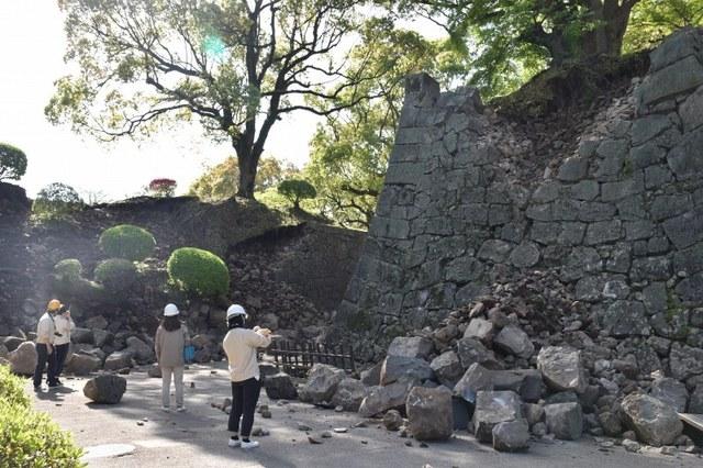 熊本地震:熊本城の被害状況 - 毎日新聞
