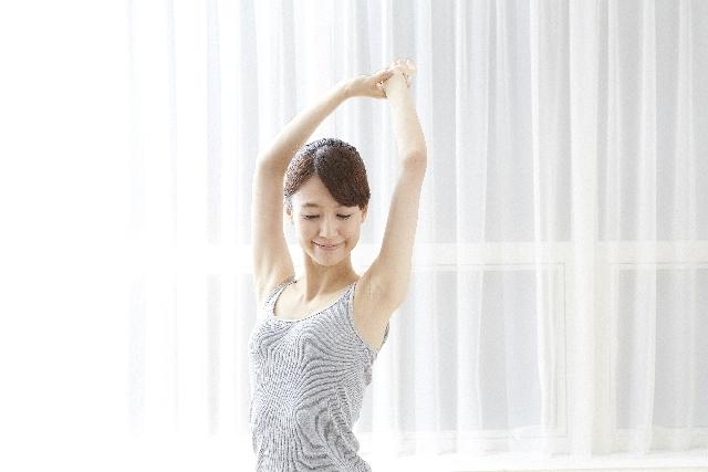 日本人女性リラックス60|写真素材なら「写真AC」無料(フリー)ダウンロードOK