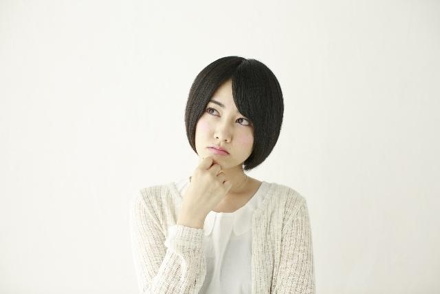 考える女の子3|写真素材なら「写真AC」無料(フリー)ダウンロードOK