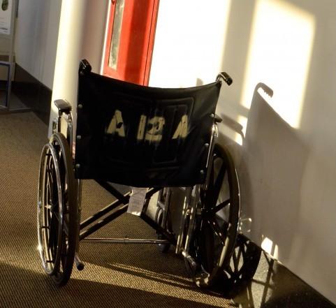 写真素材 足成:車椅子1