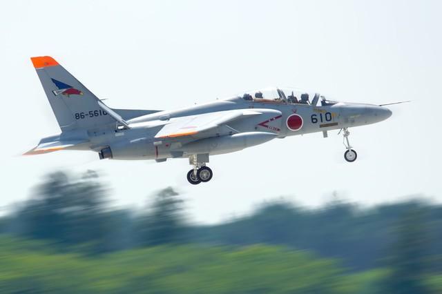 自衛隊T-4練習機|フリー写真素材・無料ダウンロード-ぱくたそ