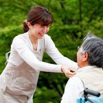 認知症認定看護師は認知症患者と家族をサポートするスペシャリスト