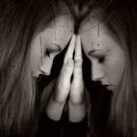 白髪の原因はストレス⁈若い人もなるの?原因や対処法まで一挙ご紹介