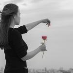 片思いしてた相手に振られた…失恋したときに立ち直れる方法とは?