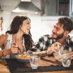 同棲したら食費はどれくらいかかる?二人で楽しく節約しよう