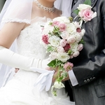 社内恋愛の末、結婚。社内結婚する時の注意点と周囲の反応とは