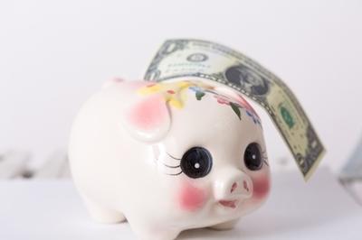 貯金箱と外国の紙幣5|写真素材なら「写真AC」無料(フリー)ダウンロードOK