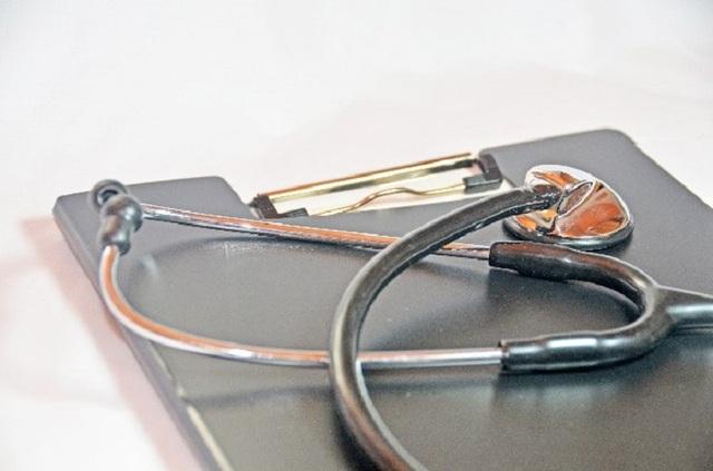 ファイルと聴診器2 写真素材なら「写真AC」無料(フリー)ダウンロードOK