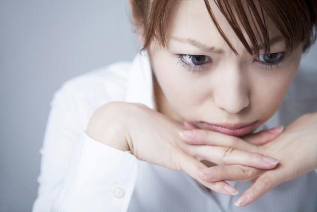 20代も要注意!我慢すると危険なストレス症状「急激な胸の痛みに注意」|「マイナビウーマン」