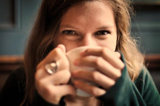 無料の写真: 女の子, 女性, 笑顔, にこやか, 幸せ, コーヒー, 茶, カップ - Pixabayの無料画像 - 690614