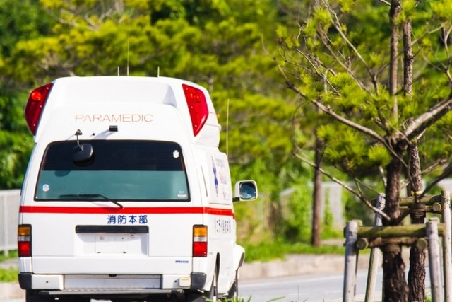 救急車|写真素材なら「写真AC」無料(フリー)ダウンロードOK