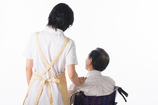 看護師と車椅子の男性21|写真素材なら「写真AC」無料(フリー)ダウンロードOK