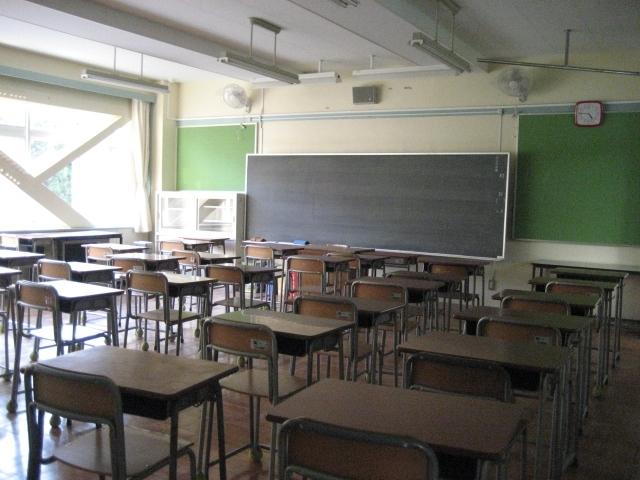 【学校】教室|写真素材なら「写真AC」無料(フリー)ダウンロードOK