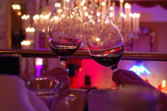 無料の写真: 接して, お祝い, フェスティバル, ワイン, ワイングラス, 乾杯 - Pixabayの無料画像 - 351115