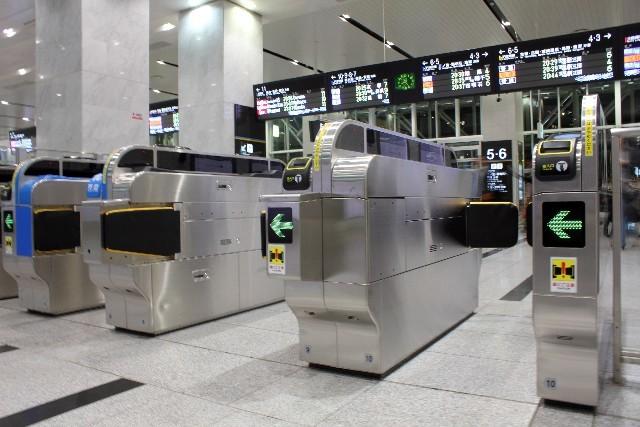 駅の改札口|写真素材なら「写真AC」無料(フリー)ダウンロードOK