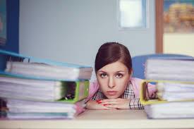 脱ストレス!苦手な先輩女性の「話を上手く受け流す」聞き方3つ - BizLady(ビズレディ)