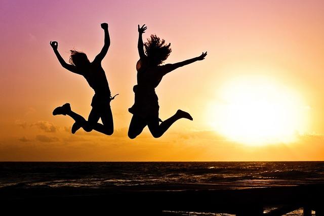 無料の写真: 若者, アクティブ, ジャンプ, 幸せ, 日の出, シルエット, 2 - Pixabayの無料画像 - 570881