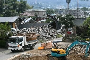 傷抱え 再建道半ば 熊本地震、前震から半年 - 写真 - 西日本新聞