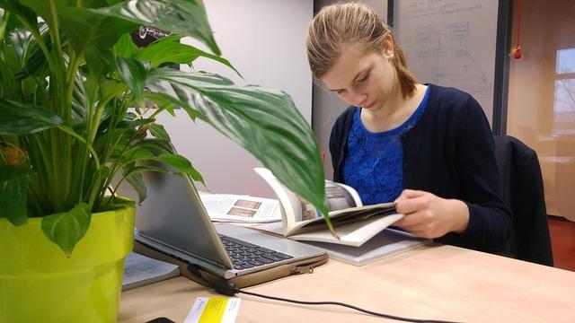 無料の写真: 勉強女の子, 女の子, 研究 - Pixabayの無料画像 - 1625793