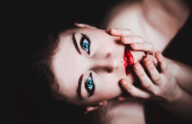 無料の写真: 青い目, 女性, 化粧, モデル, 赤い口紅, 官能的です, タッチ - Pixabayの無料画像 - 237438