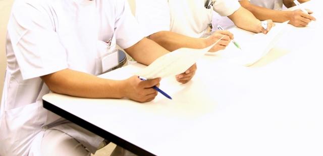 「男性 看護」に関する写真|写真素材なら「写真AC」無料(フリー)ダウンロードOK