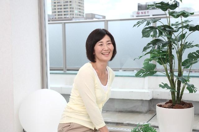 笑顔のシニア女性|写真素材なら「写真AC」無料(フリー)ダウンロードOK