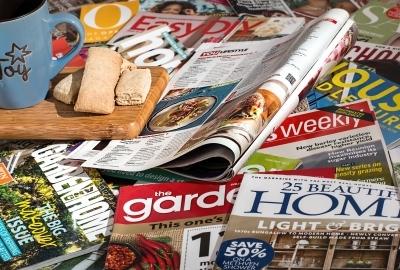 沢山の英語の雑誌のフリー素材・無料の写真| ピクト缶