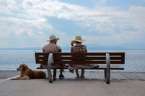 「介護 フリー素材 老老介護」の画像検索結果