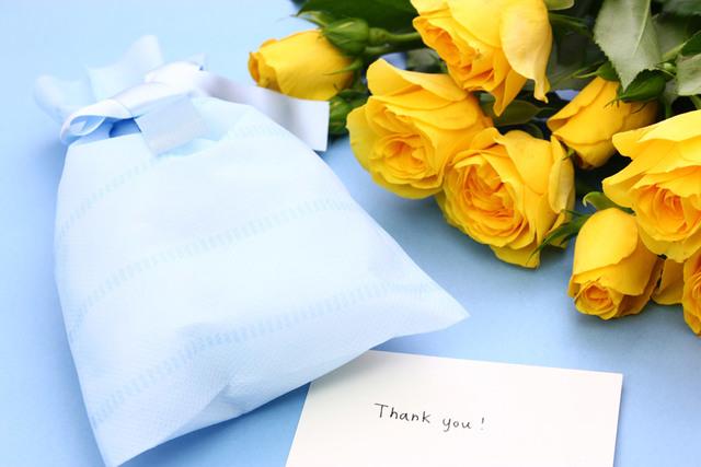 [フリー写真] 父の日のプレゼントとメッセージカードでアハ体験 -  GAHAG | 著作権フリー写真・イラスト素材集
